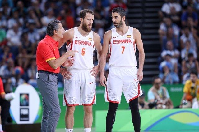 Scariolo con Navarro y Sergio Rodríguez en los Juegos Olímpicos