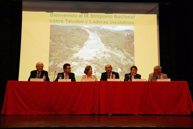 Nota Uc Doscientos Expertos Participan En El Ix Simposio Nacional Sobre Taludes