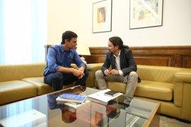 Iglesias y Sánchez acuerdan reuniones de equipos y una agenda de trabajo que no incluye la moción de censura