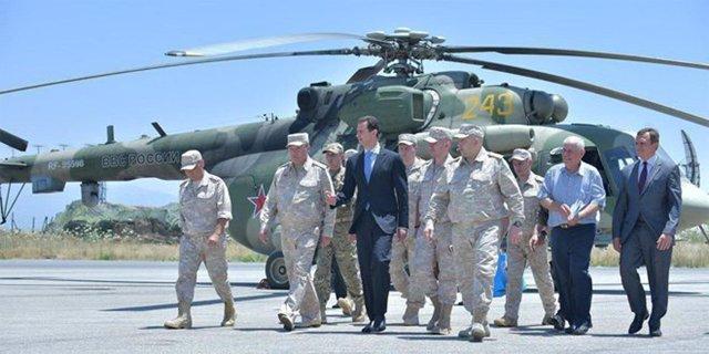 Bashar al Assad visita una base rusa