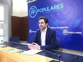 """PP critica el juego """"populista"""" de Podemos para """"ganar un titular"""" y dice que """"no va a estar"""" con unas cuentas idénticas"""