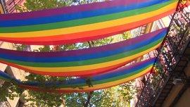 """Podemos califica de """"intolerable"""" la puesta en libertad de los tres neonazis que agredieron a una pareja gay en Chueca"""