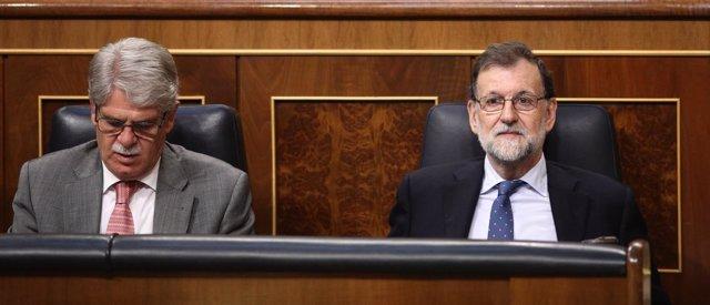 Alfonso Dastis y Mariano Rajoy