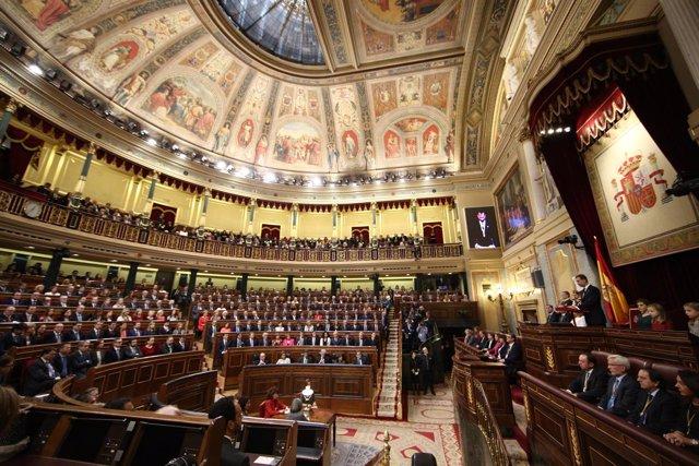 Los Reyes presiden en el Congreso la apertura de la legislatura