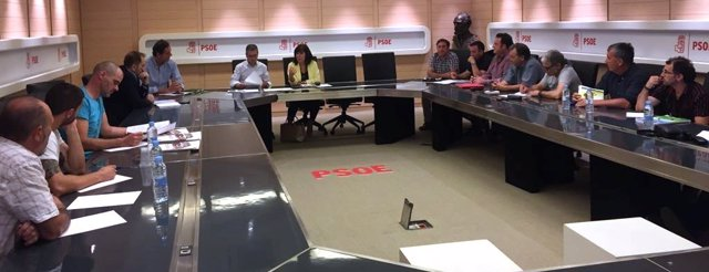 Reunión del PSOE con agentes forestales