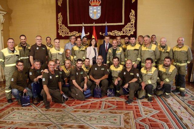 Feijóo recibe a brigadistas que ayudaron en Portugal