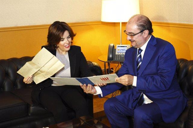 La vicepresidenta con Javier Lambán