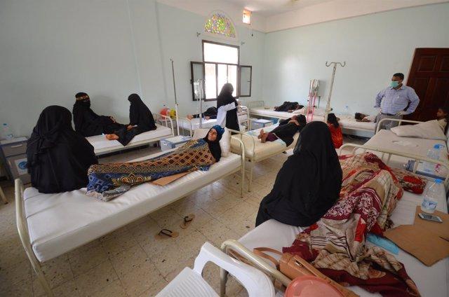 Afectados por el brote de cólera en Yemen