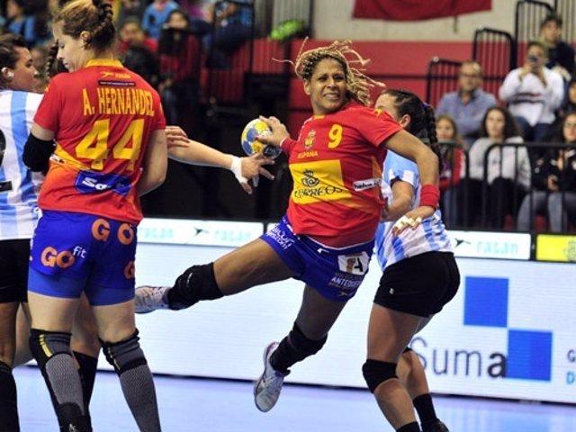 Marta Mangué Guerreras selección española balonmano femenino