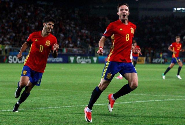 Saúl Ñíguez y Marco Asensio con la Sub-21