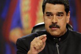 """Maduro asegura que Venezuela será """"liberada con las armas"""" si se imponen el caos y la violencia"""