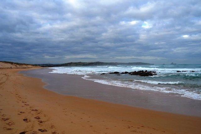 Playa De Valdearenas. Piélagos. PLAYA. MAR. VACACIONES. TURISMO. NATURALEZA.
