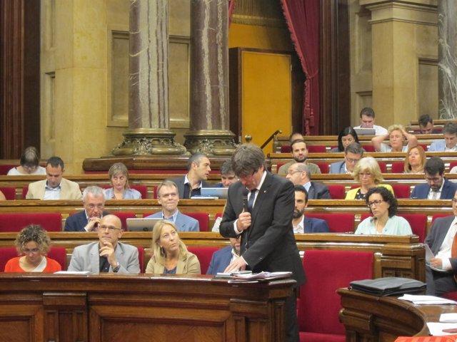 C.Puigdemont en el pleno del Parlament