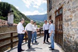 Mazón inaugura la rehabilitación de las antiguas escuelas de Vada