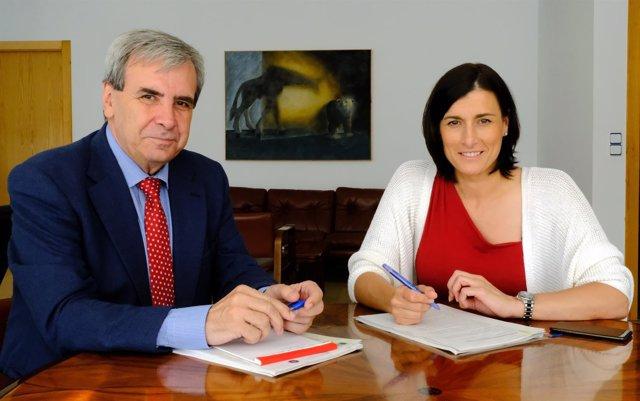 El consejero y la alcaldesa