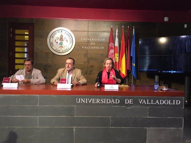 Valladolid.- Villalobos, Lopez y Muriel, en la firma del convenio