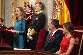 """Ana Pastor llama a los diputados a emular a los constituyentes, con su patriotismo """"por encima de siglas"""""""