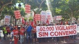 """UGT, CCOO y USO exigen al Gobierno riojano """"rescindir"""" sus contratos con """"empresas piratas"""" de Seguridad"""
