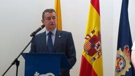 """Sanz aboga en Algeciras, Cádiz, por una """"gran alianza"""" contra el narcotráfico y el crimen organizado"""