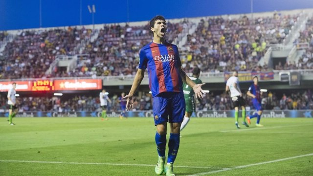 Carlos Aleñá con el Barcelona