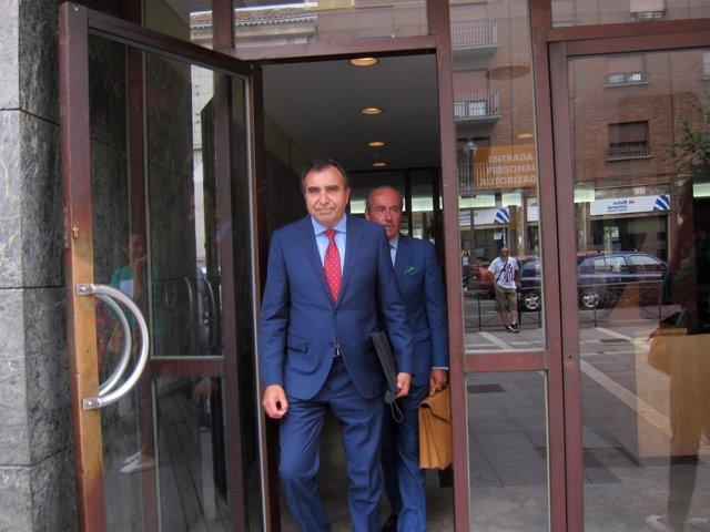 Francisco Esgueva abandona los juzgados tras declarar.