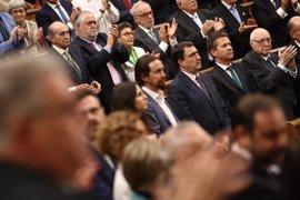 Aplausos y vivas al Rey mientras Unidos Podemos, PDeCAT y PNV guardan silencio
