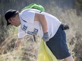 La campaña '1m2 por la naturaleza' de Ecoembes y SEO/BirdLife recogió el 17 de junio más de 30 toneladas de basura