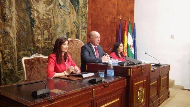 Antonio Ruiz preside el Pleno por el 'Debate sobre el Estado de la Provincia'