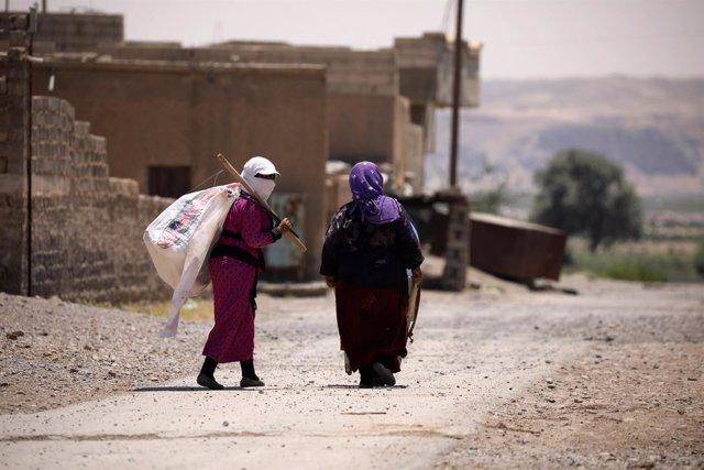 Mujeres en el oeste de la región de Raqqa