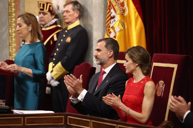 Los Reyes presiden el acto por el 40 aniversario de las elecciones de 1977