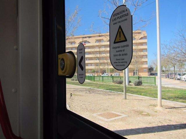 El tranvía desde dentro, pulsador de apertura
