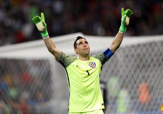 Claudio Bravo, héroe de Chile en la Copa Confederaciones