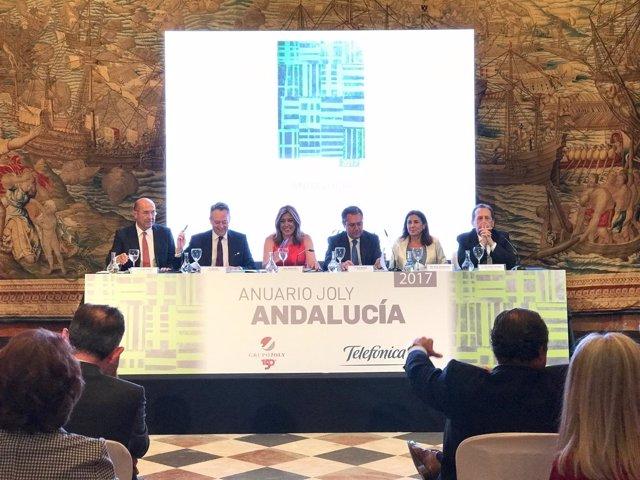 Susana Díaz en la presentación del Anuario Joly 2017