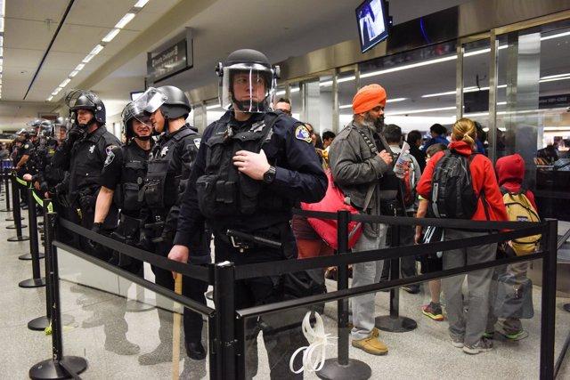 Extranjeros en el aeropuerto de San Francisco