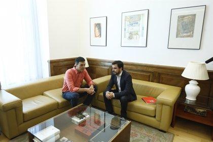 Sánchez se compromete con Garzón a despenalizar la eutanasia aprovechando la Ley de Muerte Digna