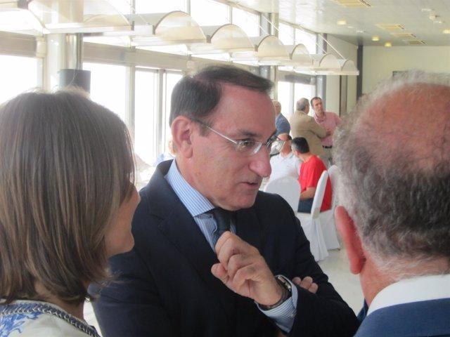 El Presidente De La CEA, Javier González
