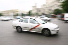 """Rollán asegura que """"los taxistas denuncian la falta de compromiso del Ayuntamiento en labores de inspección"""""""