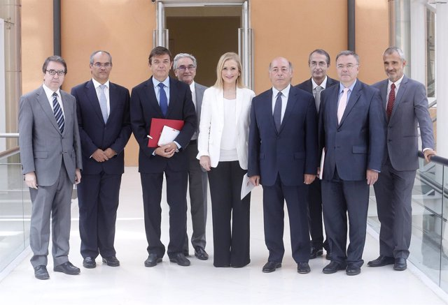 Cifuentes con los rectores de las universidades públicas de la región