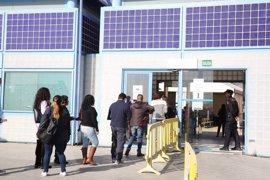 Un juez ordena al CIE de Aluche que dé alimentación adecuada y agua fría a los internos