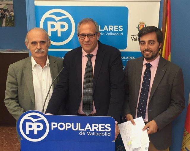 Los concejales del PP Fernández, Martínez Bermejo y Borja García Carvajal