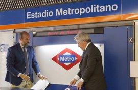 PSOE insta a Cifuentes a retirar los nombres franquistas de estaciones de Metro tras el cambio de Estadio Olímpico