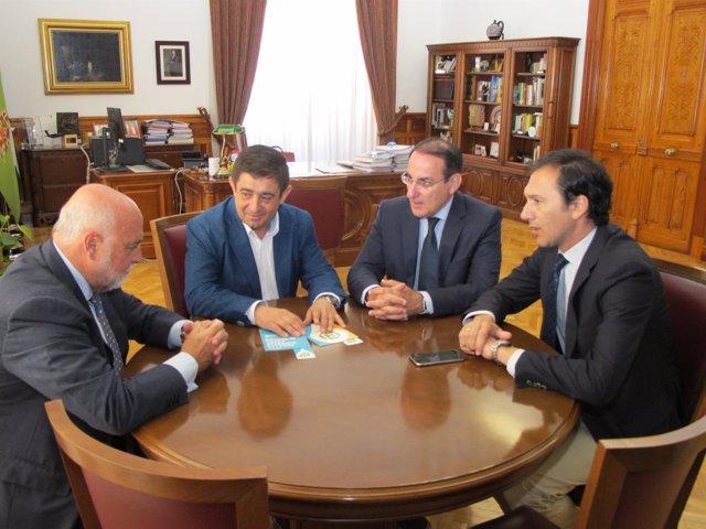 Reunión entre Diputación y CEA