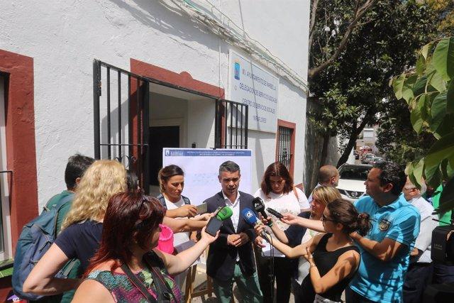 José Bernal Alcalde De Marbella Málaga Atiende A Medios PSOE