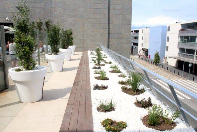 El Aeropuerto de Girona renueva su terraza central