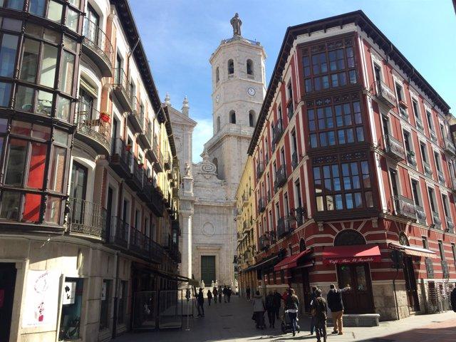 Valladolid, Catedral desde la calle Regalado