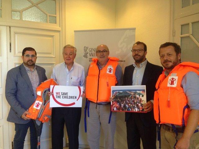 Alcaraz firma el convenio de la Generalitat y Save The Children