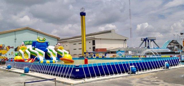 Parque acuático hinchable en Lagos (Nigeria)