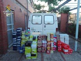 Dos detenidos por robar 1.000 pares de zapatos y huir en una furgoneta robada en Motilla