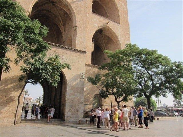 Turistas en las Torres de Serrano en una imagen de archivo
