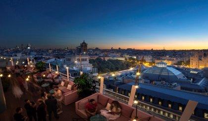 Cócteles, BBQ y cine: El espíritu de Nueva York bajo el cielo de Madrid